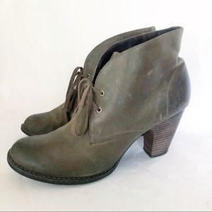 Clark's Indigo leather ankle boots sz 10 brown